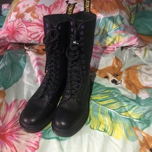 Dr Martens 14 Eye Black Boots Purple Eyelet size 7